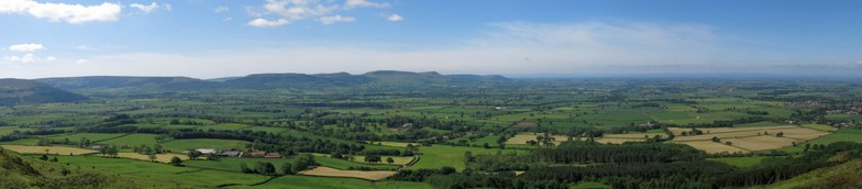 View from Cleasby Moor - CCmonument pano